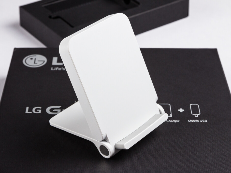 The LG WCD-100 Qi charger - LG G3 Wireless Charger (WCD-100) hands-on