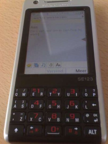 Sony Ericsson P700 - Spy photos of Sony Ericsson P700