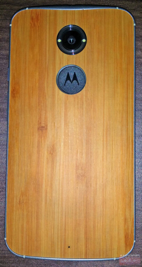 Leaked images of the alleged Motorola Moto X+1