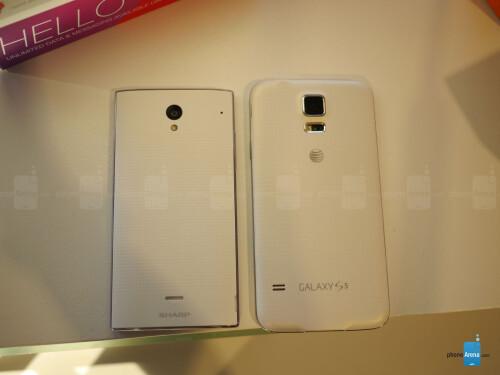 Sharp AQUOS Crystal versus Apple iPhone 5s first look