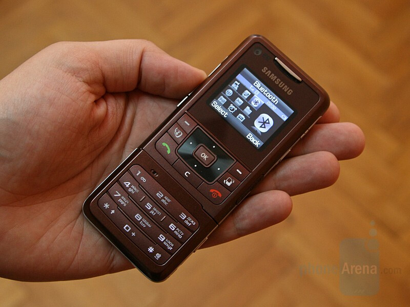 Hands-on with Samsung F500 Ultra Video
