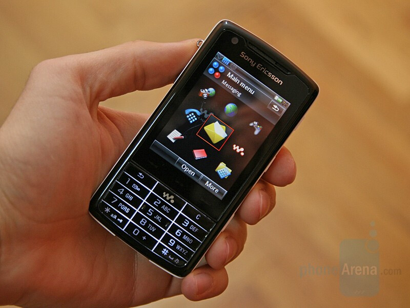 Hands-on with Sony Ericsson W960