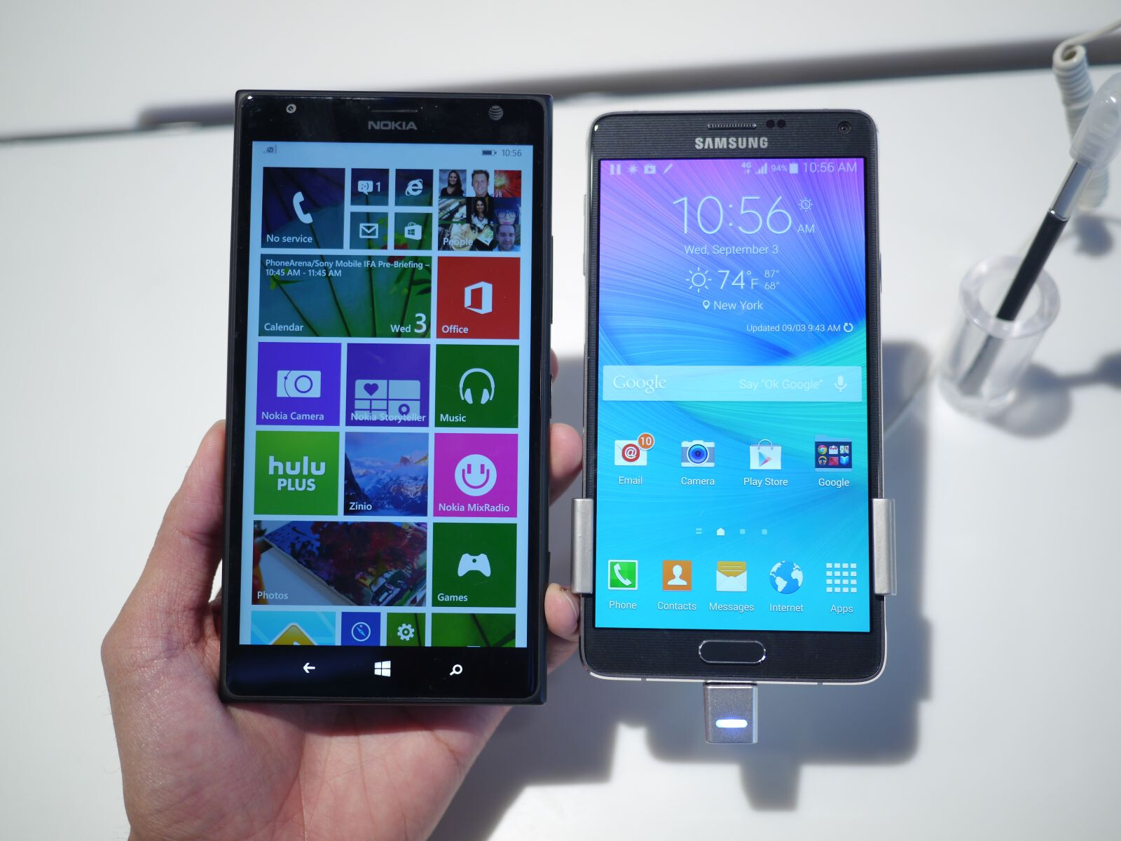 Samsung Galaxy Note 4 vs Nokia Lumia 1520: first look ...