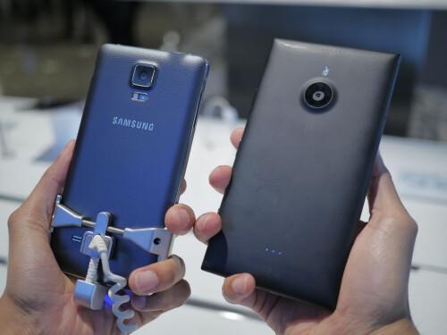 Samsung Galaxy Note 4 vs Nokia Lumia 1520 - first look