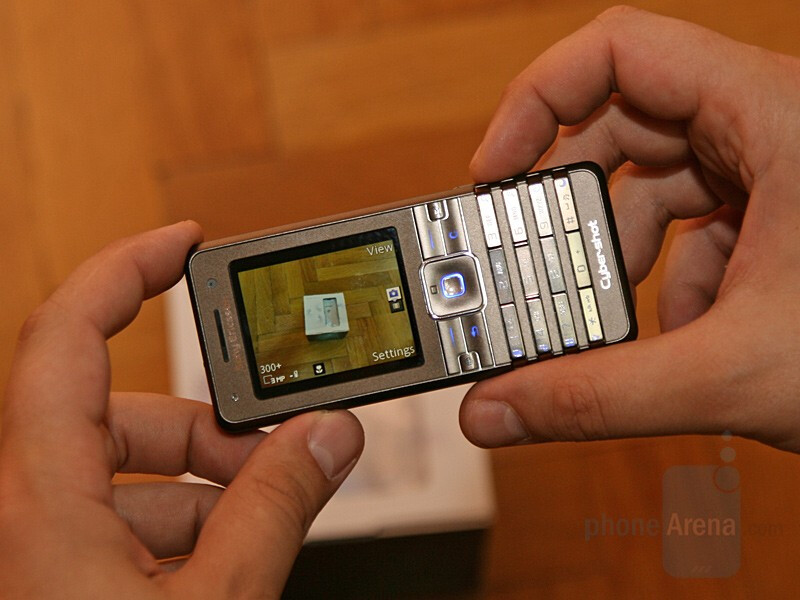 Hands-on with Sony Ericsson K770