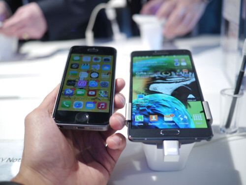 Samsung Galaxy Note 4 vs iPhone 5S