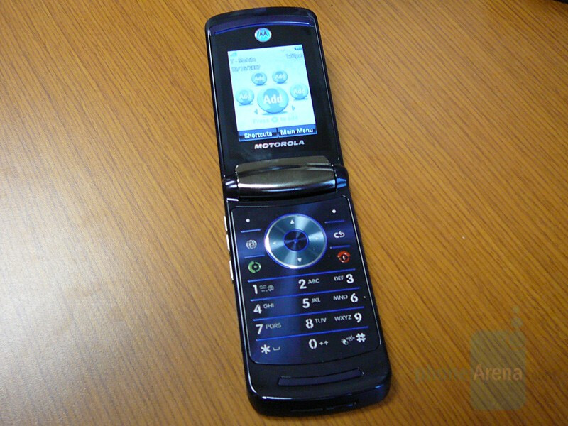Hands-on with Motorola RAZR2 V8 for T-Mobile