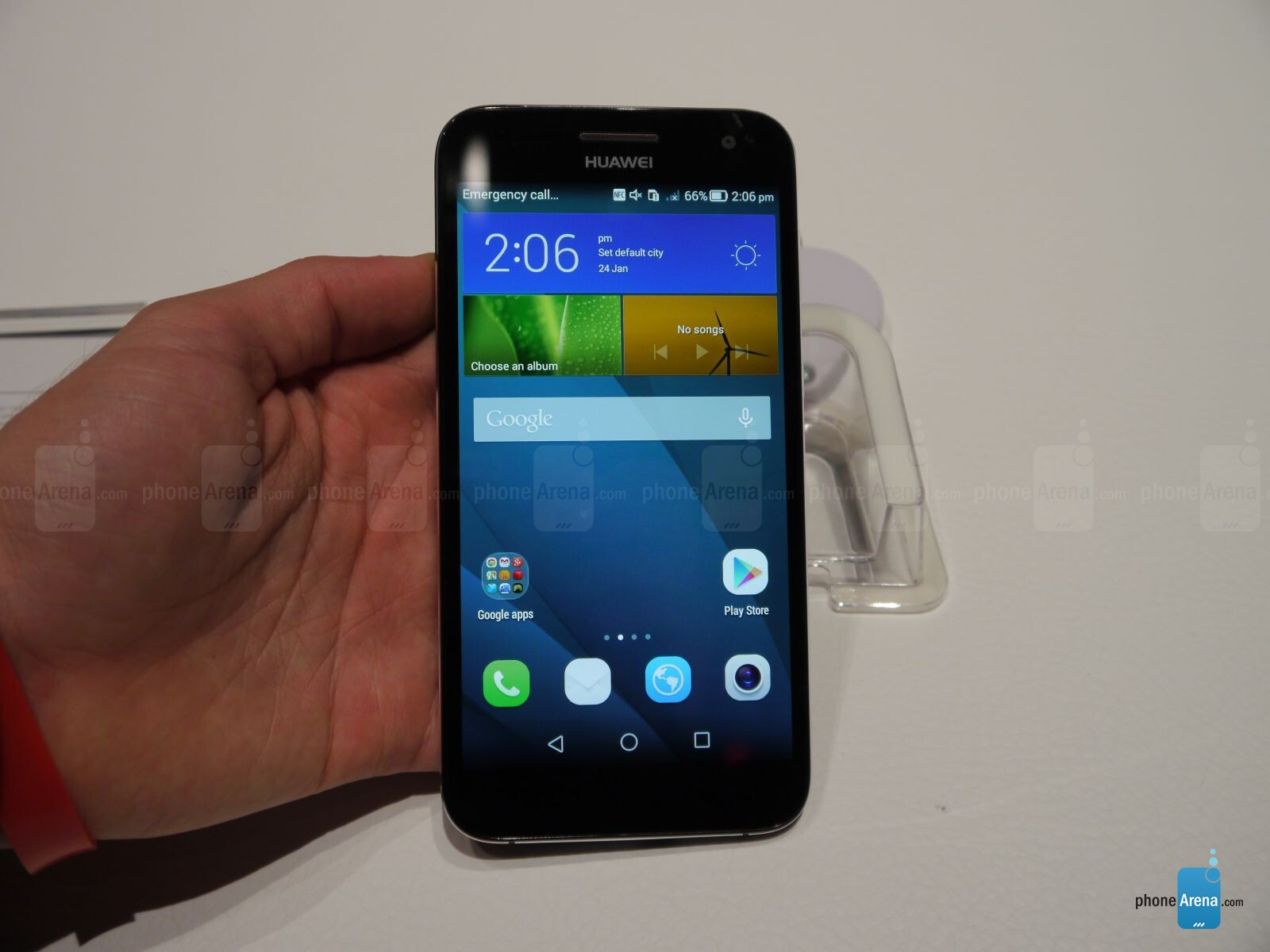 Huawei Ascend G7 hands-on: G-force in action   PhoneArena reviews
