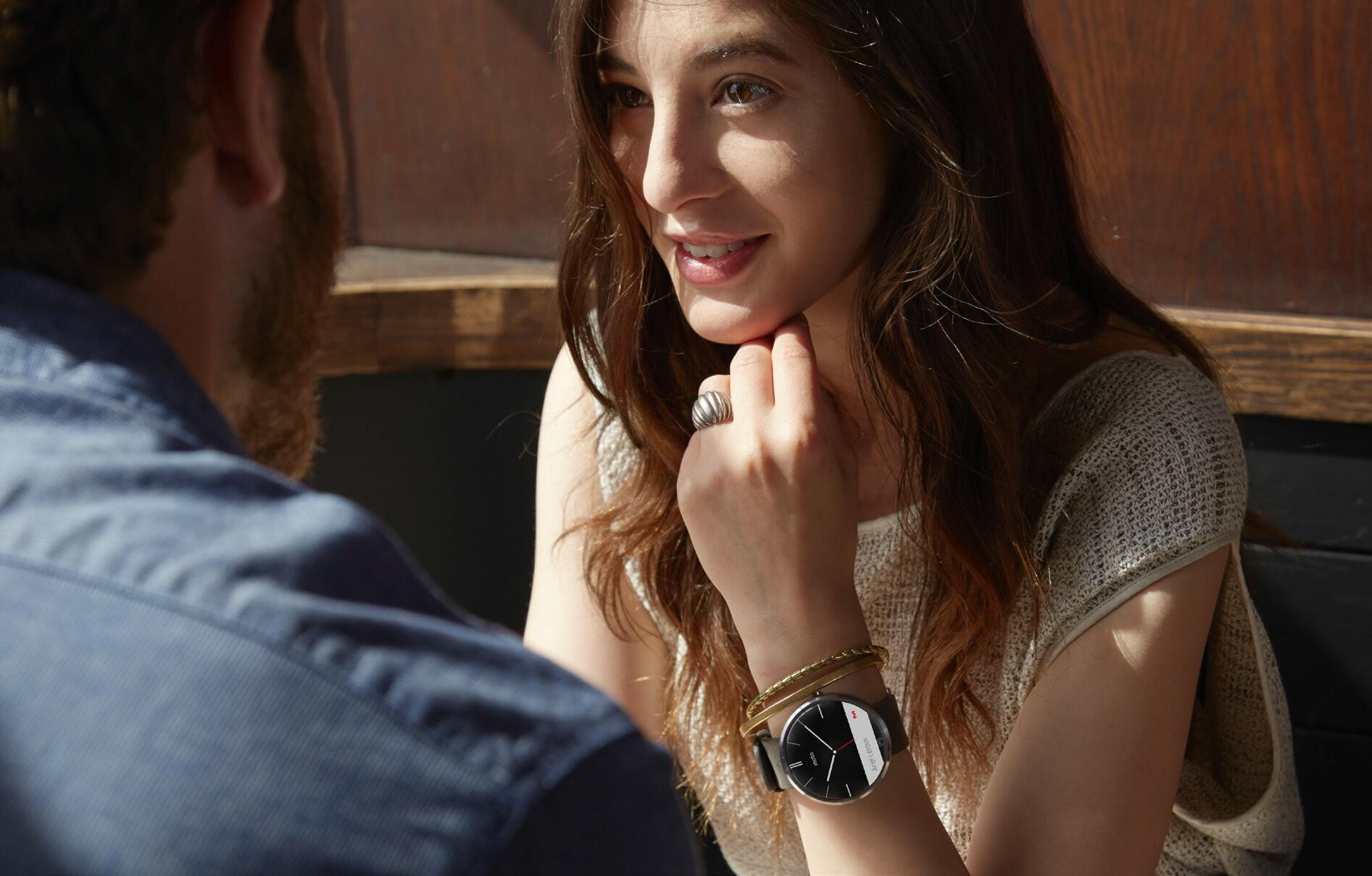 أخيراً .. موتورولا تكشف عن ساعتها الذكية موتو 360 1