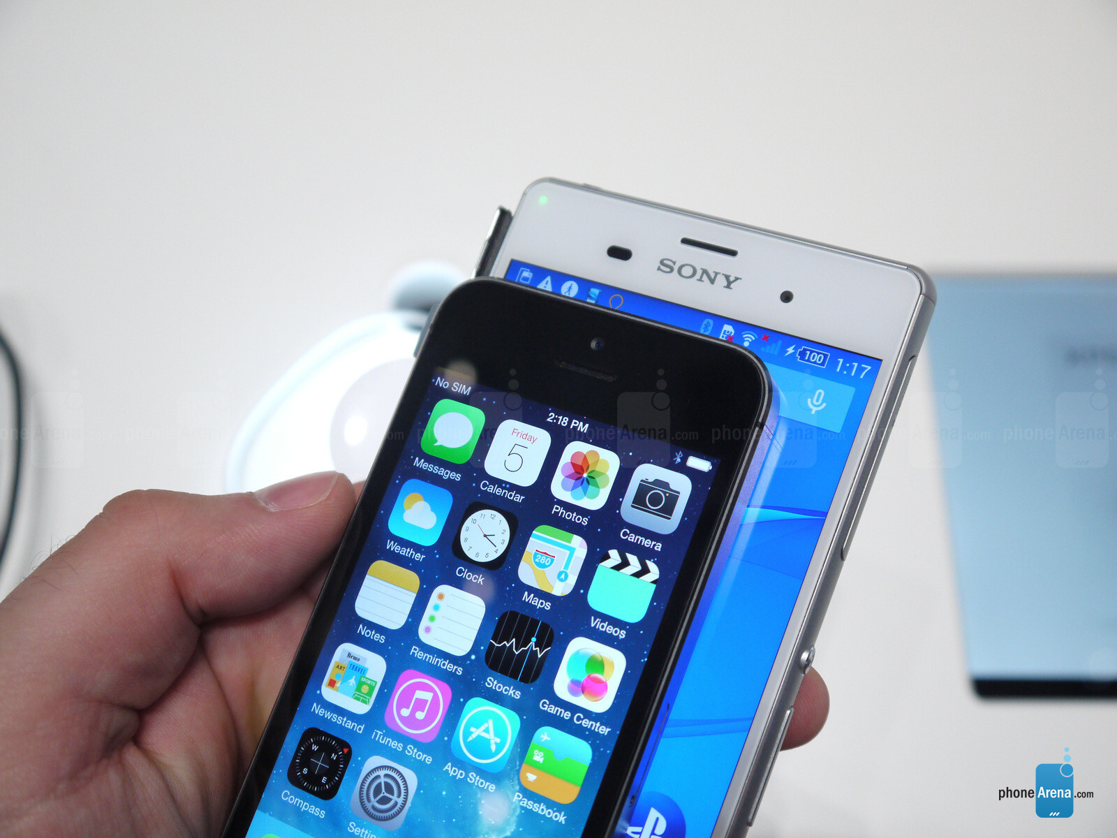 Iphone 7 Vs Xperia Xz Compact