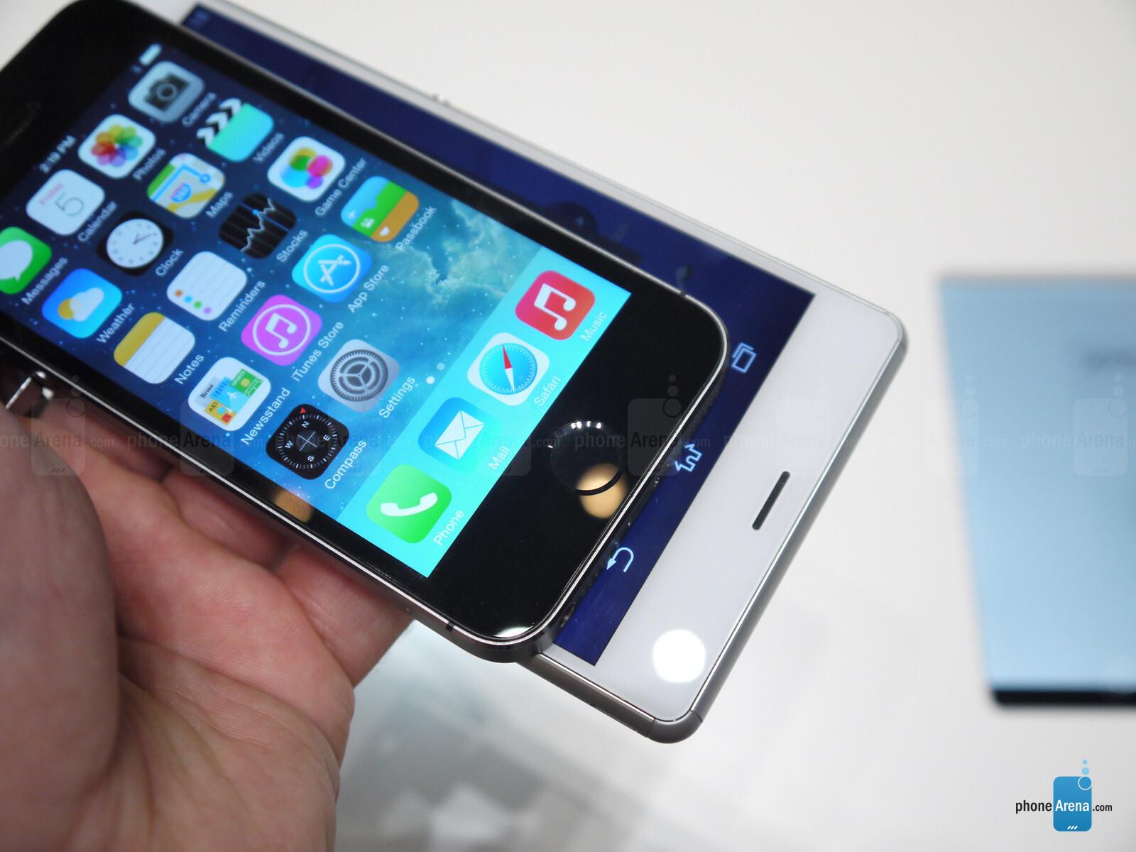 note vs iphone 5 vs xperia z3