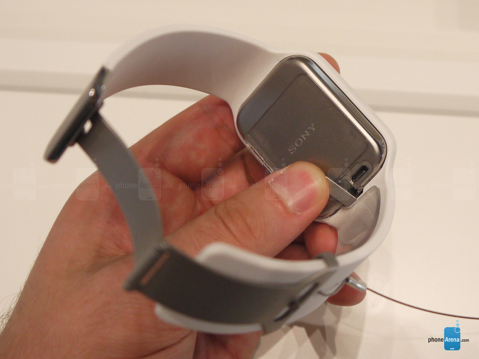 Sony SmartWatch 3 hands-on: the smart band evolved ...