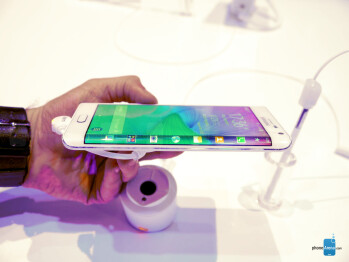 Samsung Galaxy Note 4 vs Samsung Galaxy Note Edge: first look