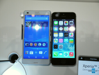 Xperia Z3 Compact beside an iPhone 5s
