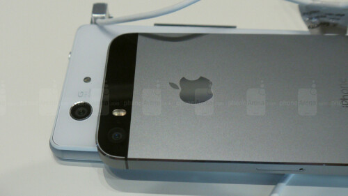 Sony Xperia Z3 Compact vs Apple iPhone 5s: first look