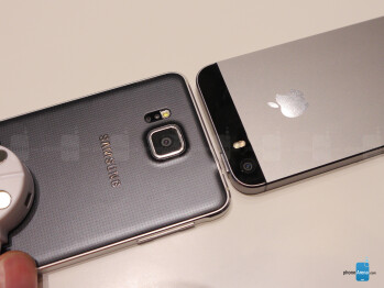 Samsung Galaxy Alpha vs iPhone 5s: first look
