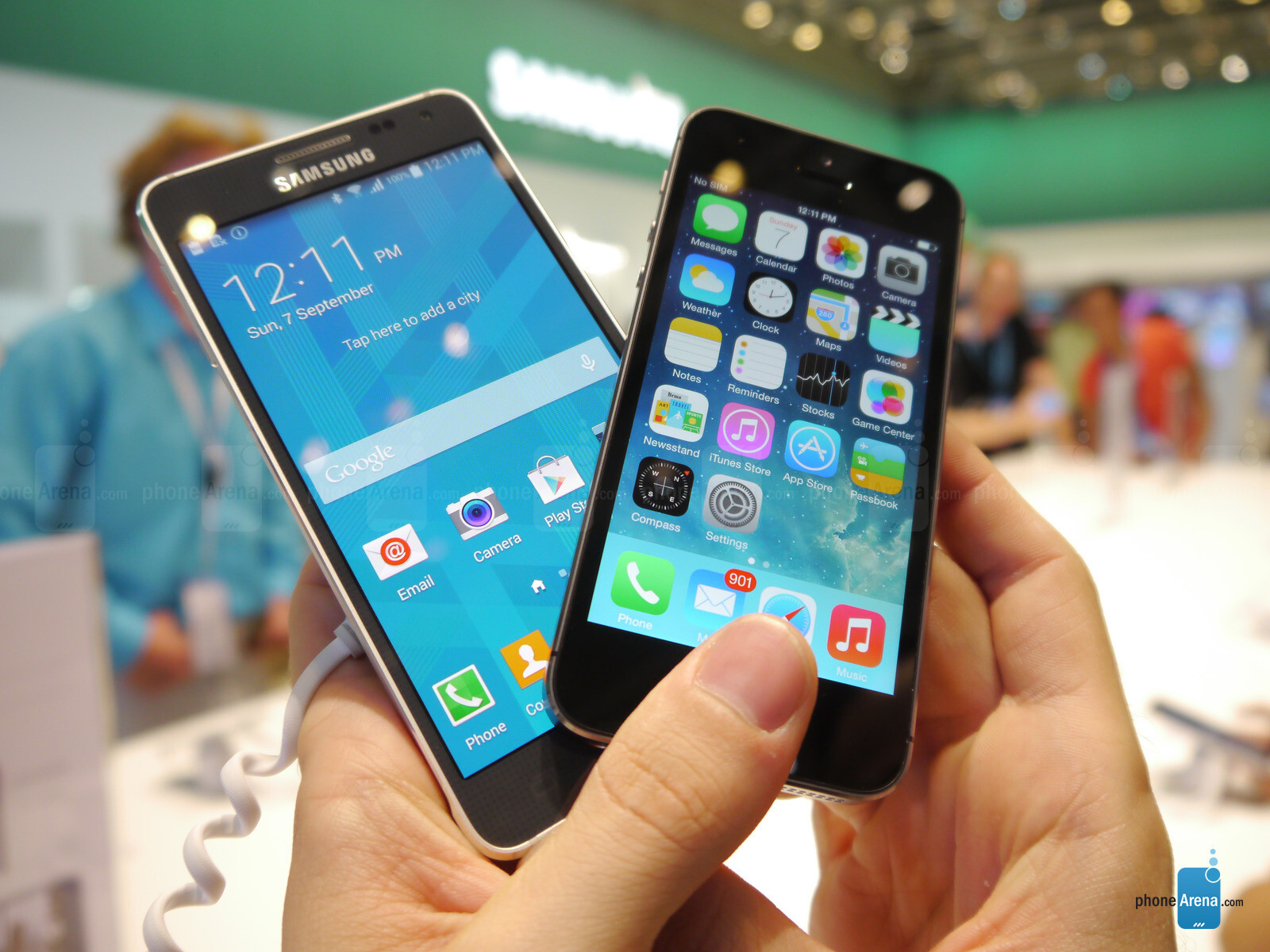 Samsung Galaxy Alpha Vs IPhone 5s First Look
