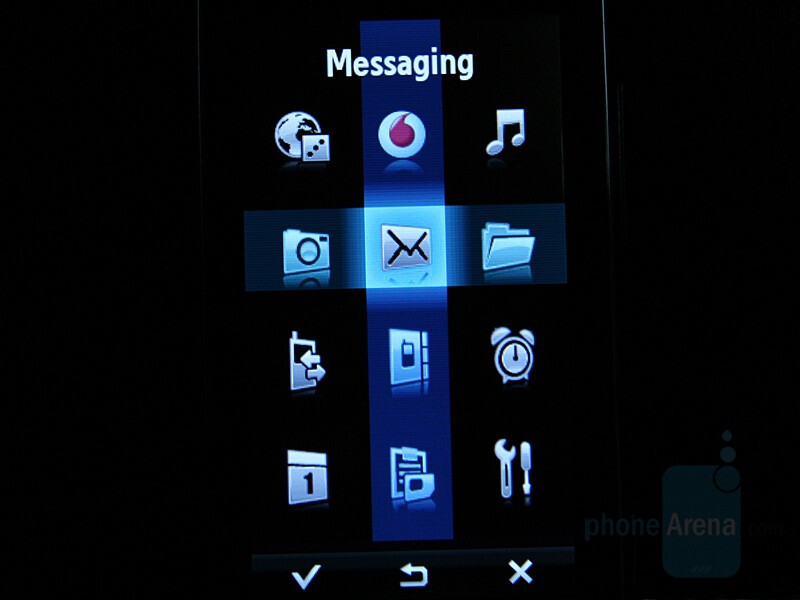 Hands-on with Samsung F700