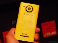 Interesting-Snapdragon-smartphones-pick-01-Toshiba-Fujitsu-03