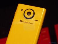 Interesting-Snapdragon-smartphones-pick-01-Toshiba-Fujitsu-04