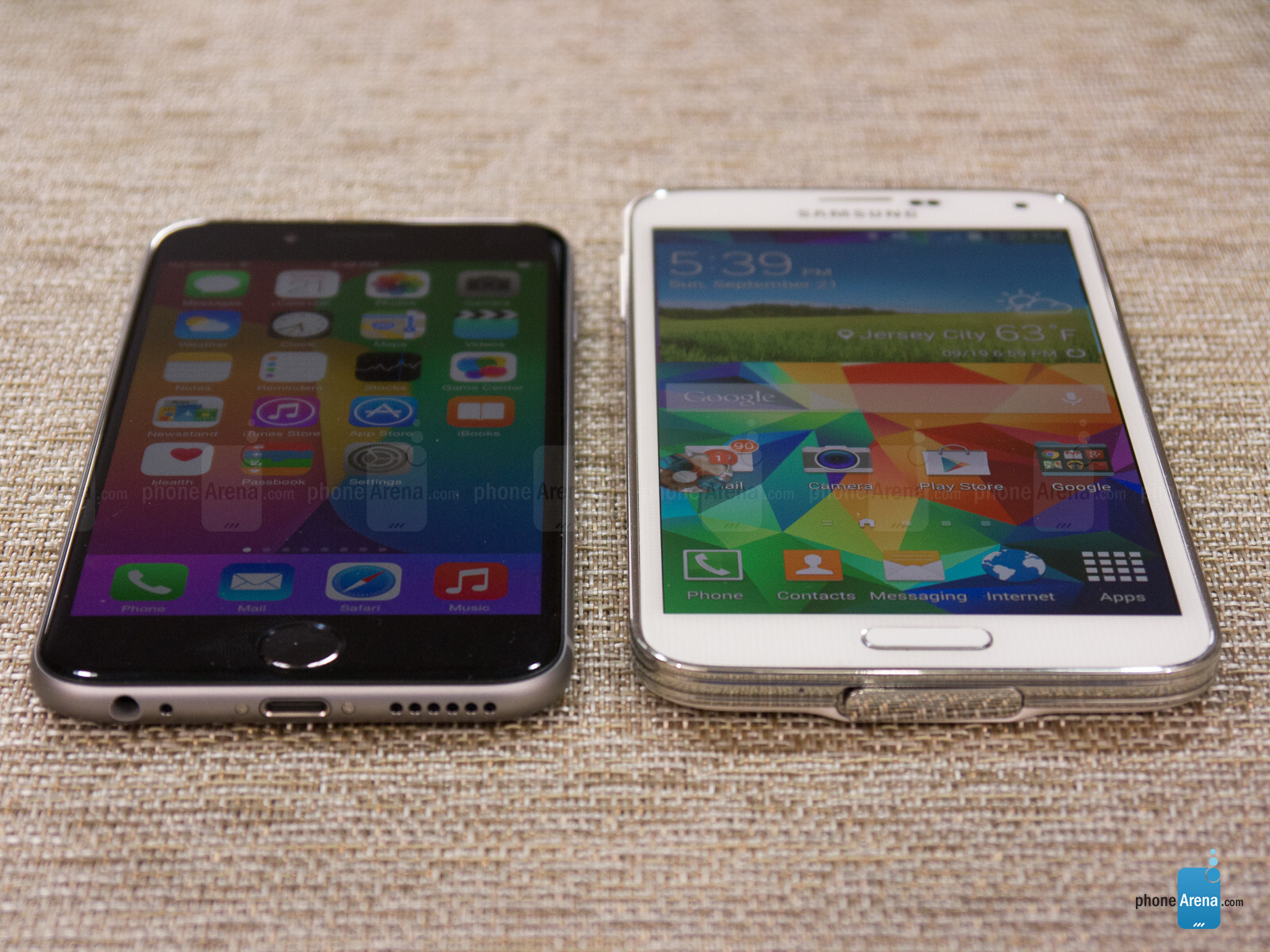 iphone 6 vs samsung galaxy s5 What is the difference between apple iphone 6 plus and samsung galaxy s5 - comparing the technical specifications and features of iphone 6 plus and galaxy s5.