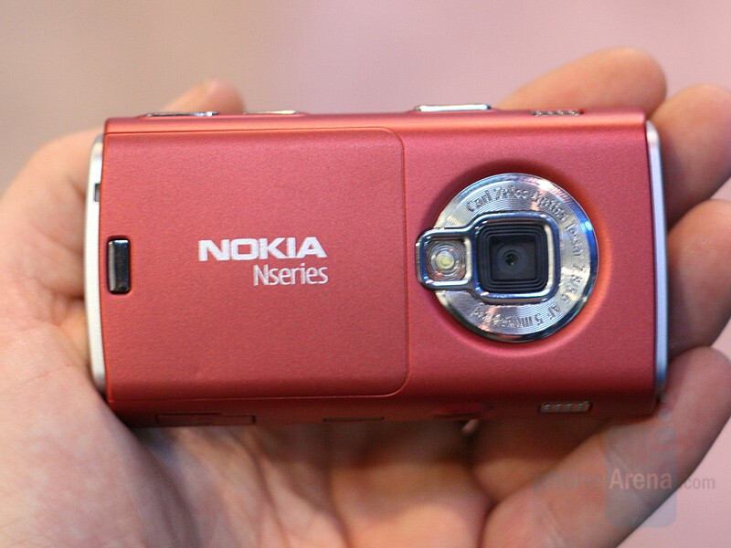 N95 US in Red - CES 2008: Live Report