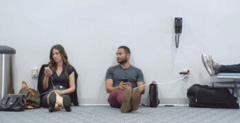 Samsung ridicules Apple users in its ads, saying they're wall huggers. We put this claim to the test