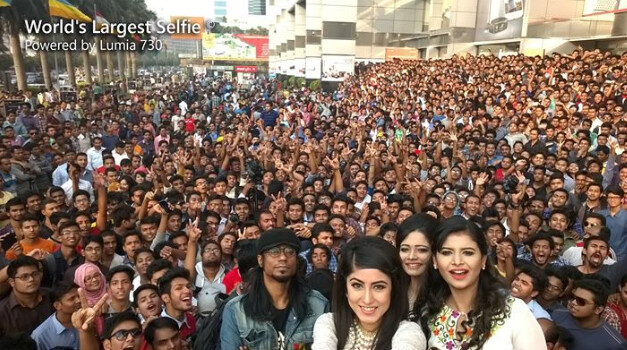 World's largest selfie snapped with the front-facing camera on the Nokia Lumia 730 - Nokia Lumia 730 used to snap the largest selfie ever
