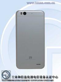 ZTE-Q7-iPhone-6-Plus-04