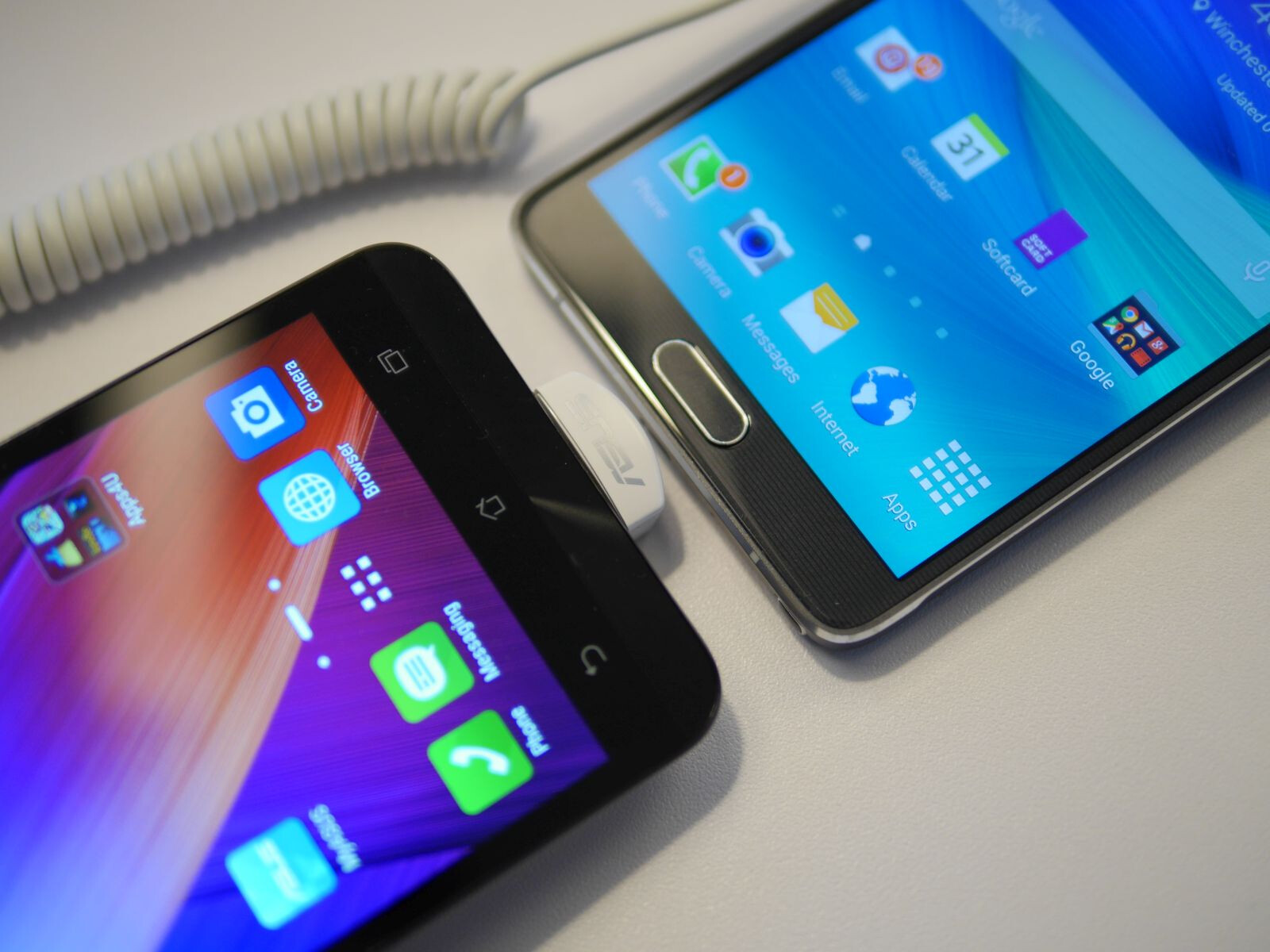 Asus ZenFone 2 Vs Note 4 First Look