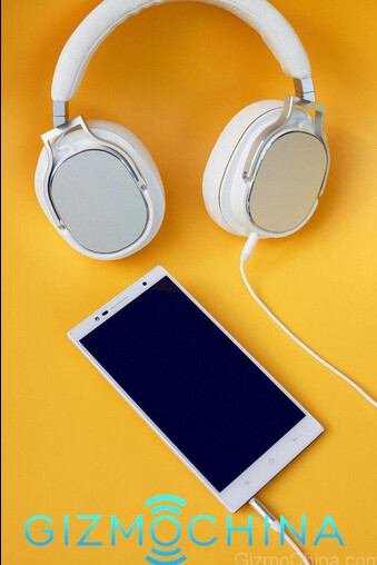 Check out the Oppo PM-3 headphones