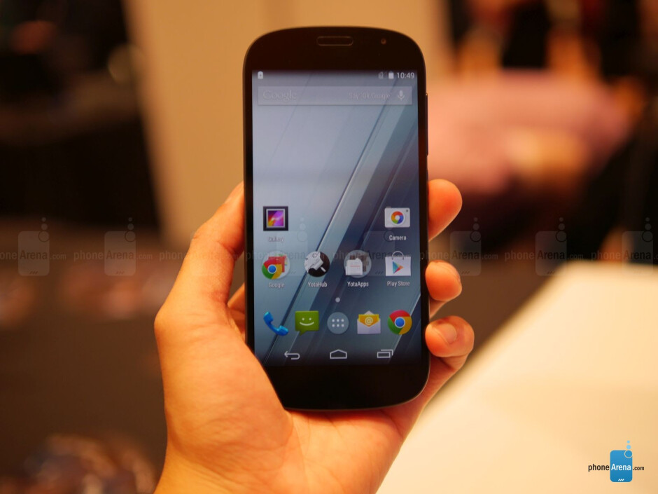 YotaPhone 2 hands-on