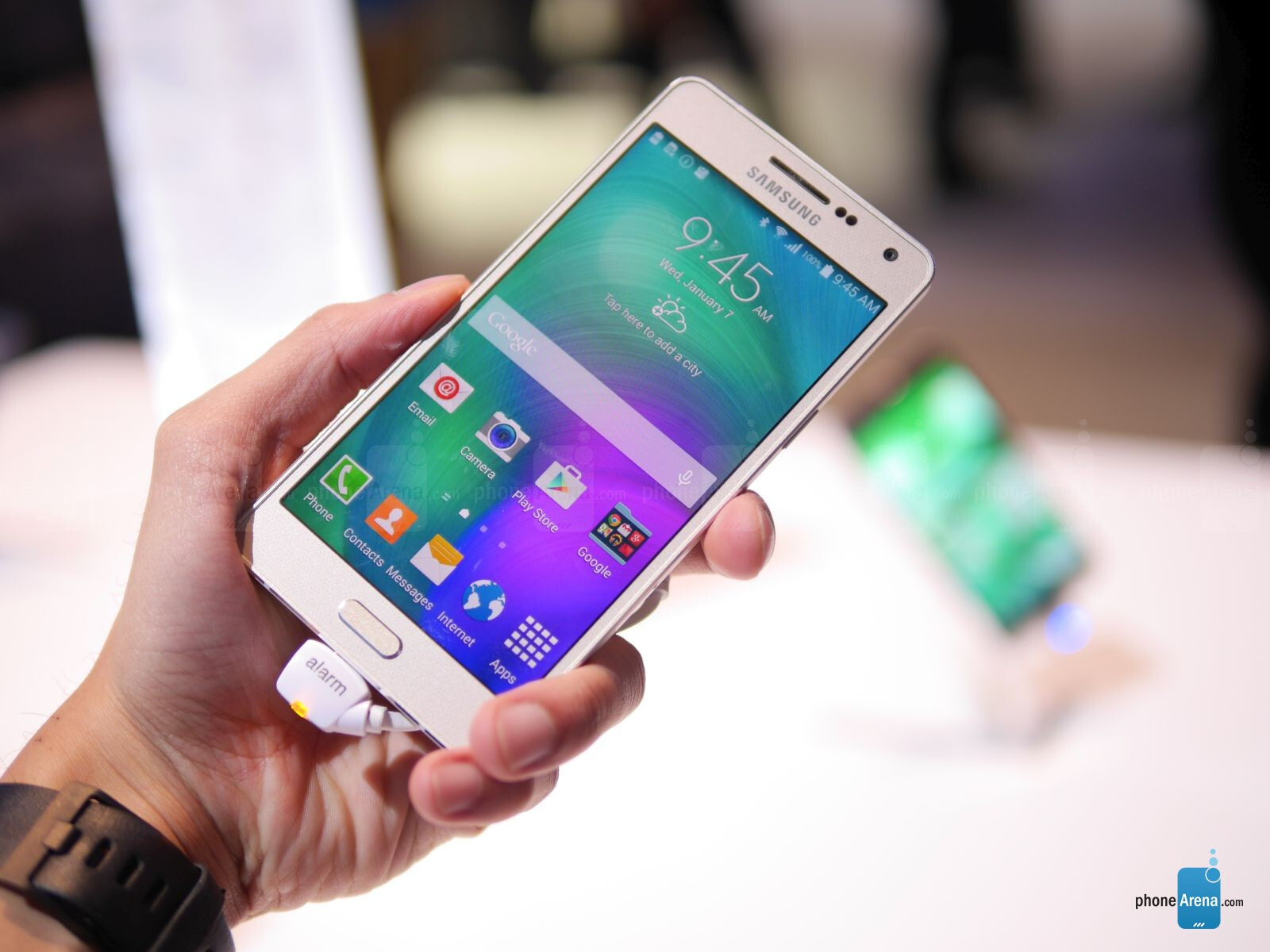 samsung galaxy a5 hands on phonearena reviews. Black Bedroom Furniture Sets. Home Design Ideas