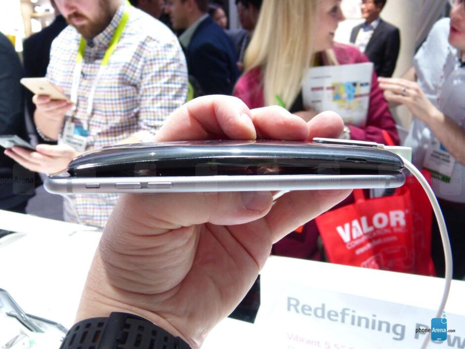 LG G Flex 2 vs iPhone 6 Plus: first look