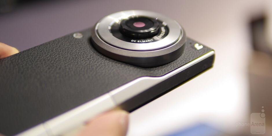 Panasonic Lumix DMC-CM1 hands-on