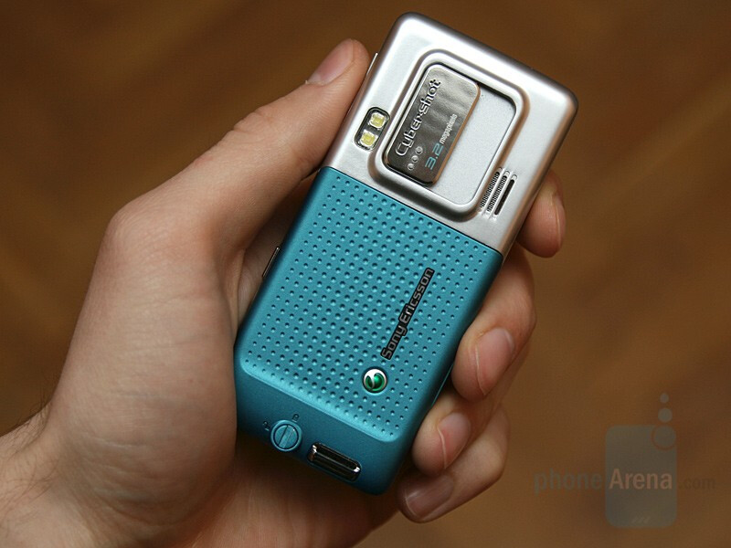 Hands-on with Sony Ericsson C702 and C902