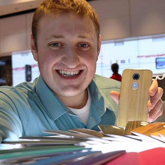 Motorola wants you to take a selfie with the Moto X so you can win a $3,000 vacation (US only)