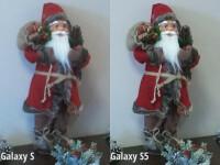 Galaxy S (left), Galaxy S5 (right)