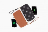 power-wallet-phone-charger-2be3600.0000001412624053