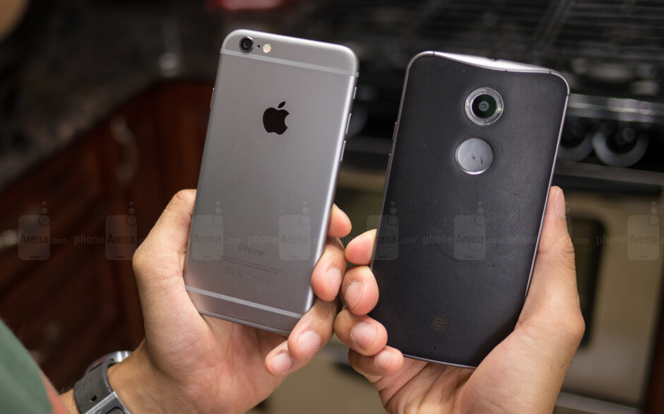 """Motorola exec: Apple charges """"outrageous prices"""""""