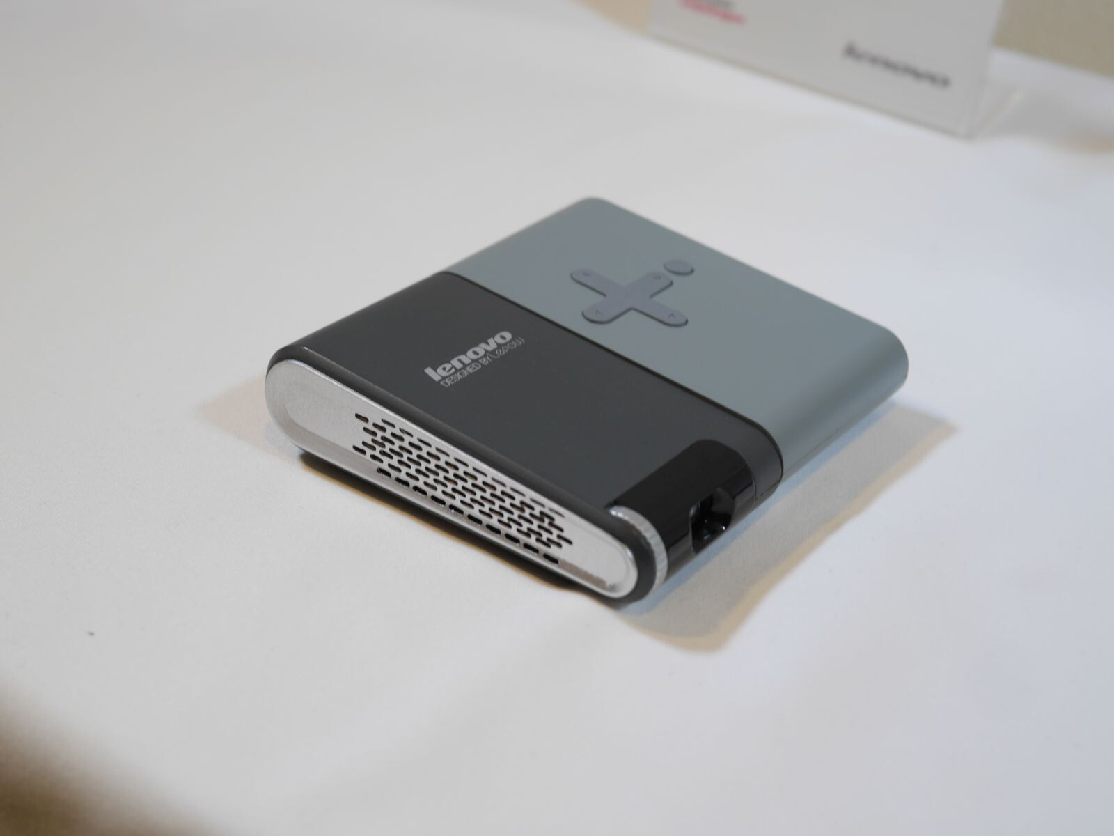 Lenovo pocket projector hands on phonearena reviews for Used pocket projector