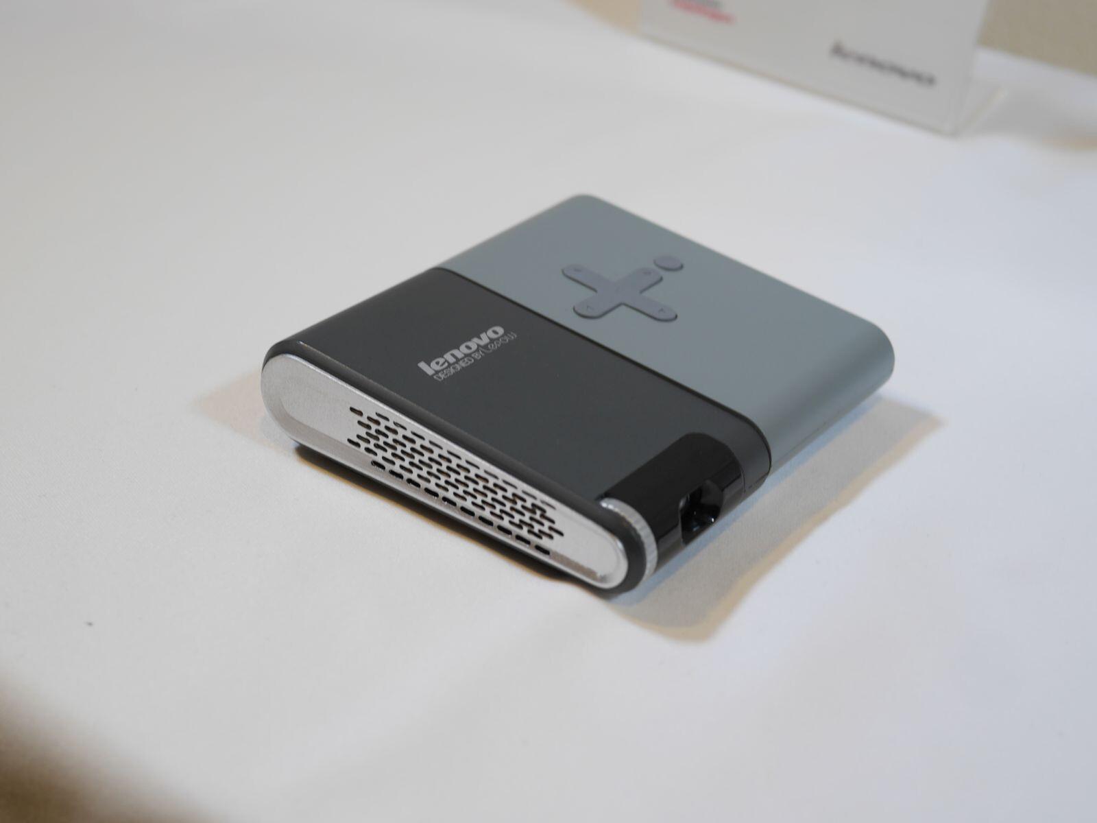 Lenovo pocket projector hands on phonearena reviews for Pocket projector reviews