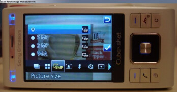 Is Sony Ericsson C905 8-megapixel?