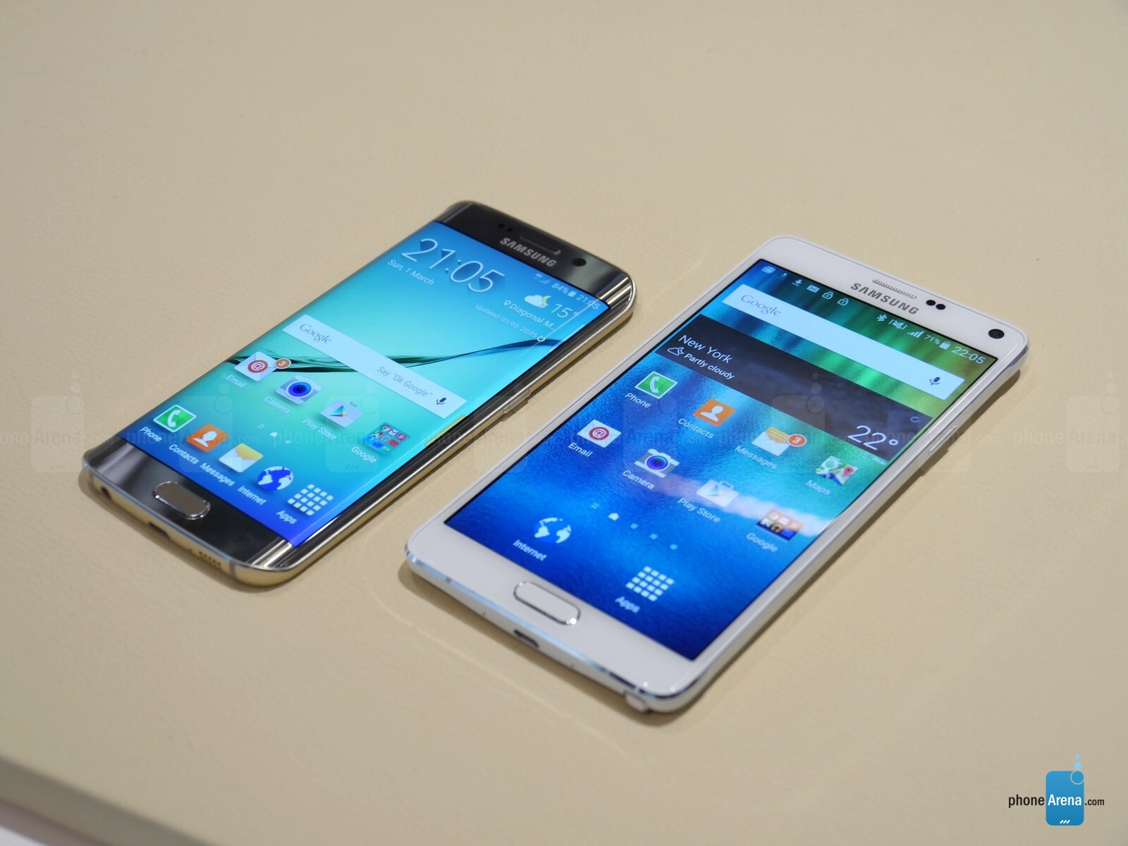 First Photos of Samsung Galaxy S6 and S6 Edge [Update]