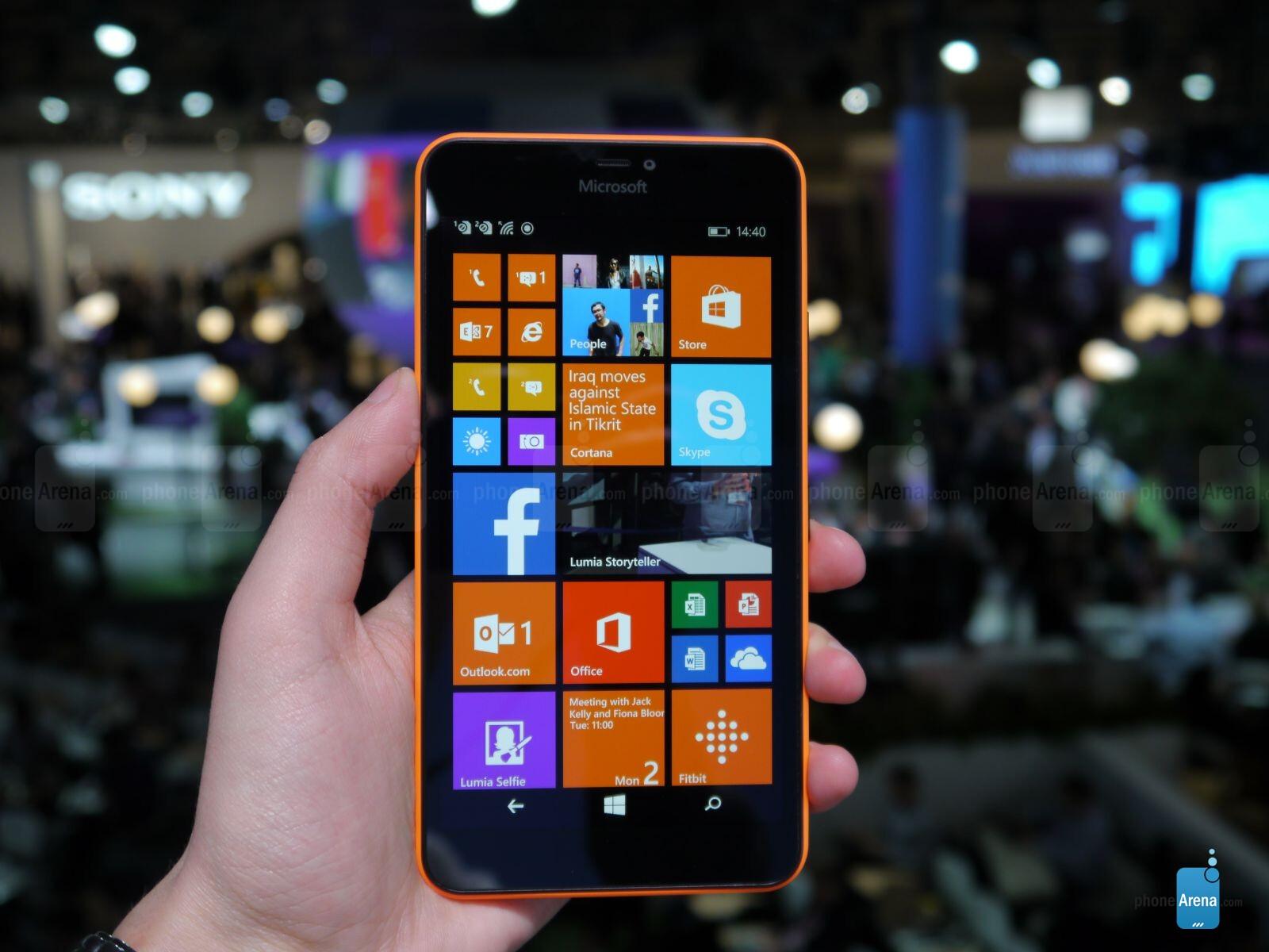 Microsoft Lumia 640 XL hands-on: a big budget Windows