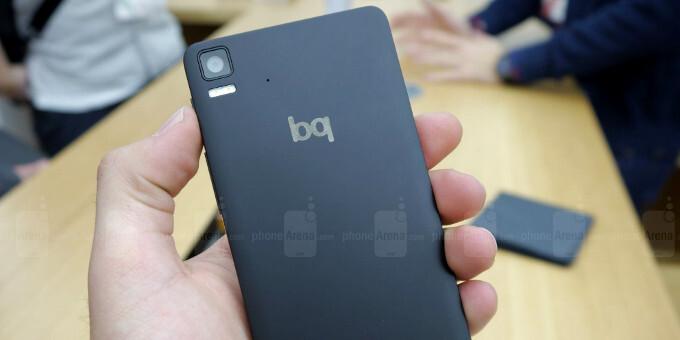 Hands-on with the first Ubuntu phone: Say hello to the bq Aquaris 4.5 Ubuntu Edition