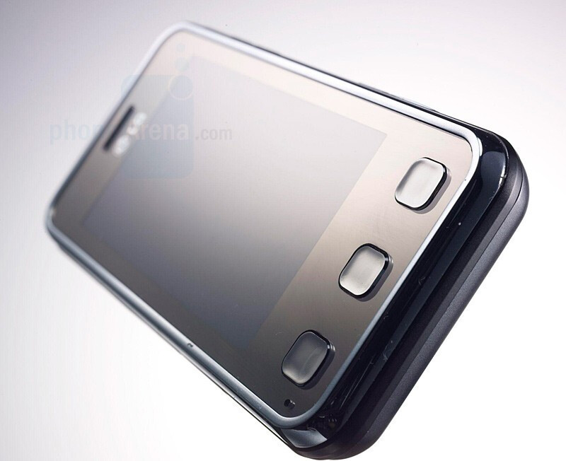 LG KC910 is the 8-megapixel successor of Viewty