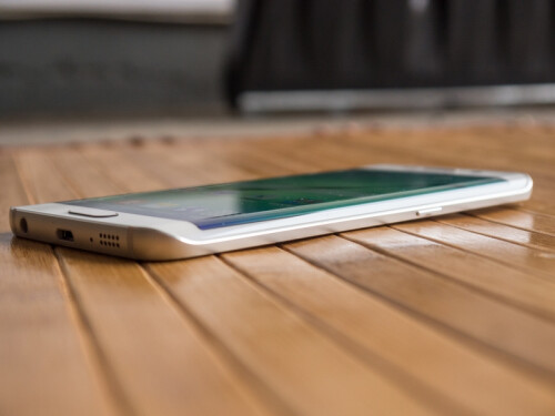 Galaxy  S6 and S6 edge stress test videos and design shots
