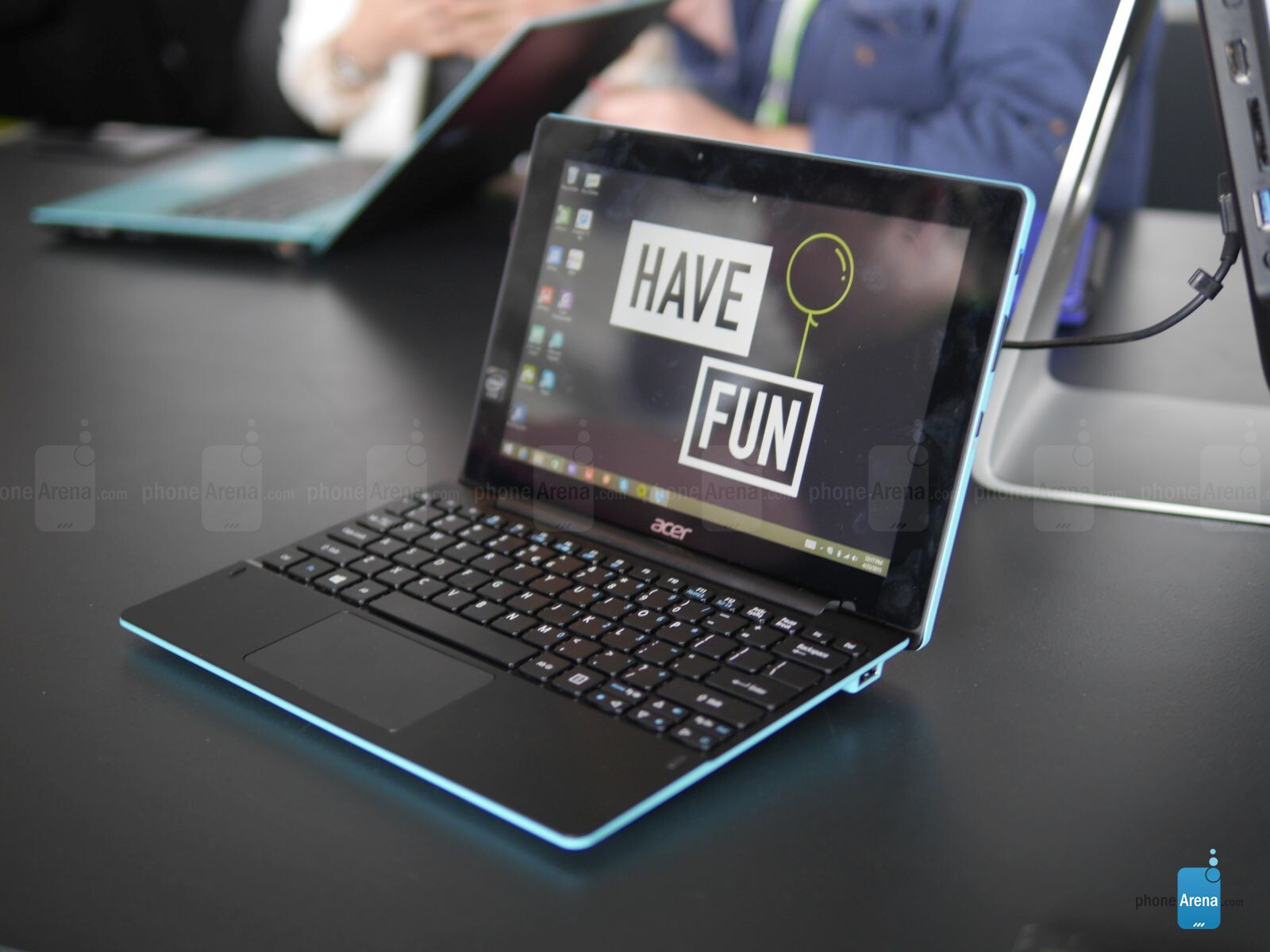 acer aspire switch 10 e hands on phonearena reviews. Black Bedroom Furniture Sets. Home Design Ideas