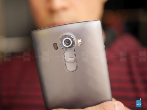 LG G4 in grey plastic